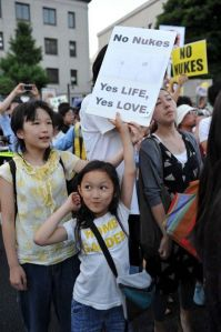 anti-nuclear-protest-in-Japan-after-Fukushima-2