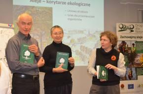 «Экозащита!» представила уникальную книгу одеревьях